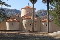 Hög-res drar tillbaka sikt av den Panagia Kera kyrkan nära Kritsa, Kreta, Gree Arkivfoto