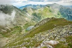 Hög-res panorama av Retezat berg, Rumänien Arkivfoton