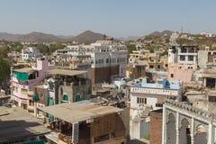 Hög sikt av byggnader i Udaipur, Indien fotografering för bildbyråer