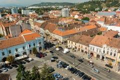 Hög sikt av den Cluj Napoca staden Arkivbilder