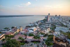 Hög sikt av staden av Guayaquil Fotografering för Bildbyråer