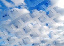 hög sky för kommunikationer Arkivbild