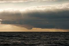 hög solnedgång för jpgupplösningshav Arkivbild