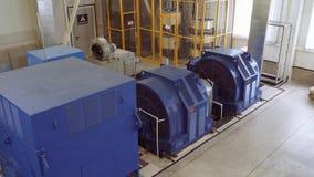 Hög-spänning elektrisk motor på en produktionsanläggning Hög kraftverk hög spänning 4K arkivfilmer