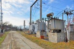 Hög-spänning transformatorer Arkivfoto