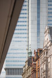 hög stigning för arkitektur royaltyfria foton