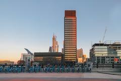 hög stigning för byggnader i city royaltyfri fotografi