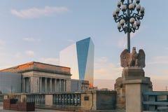 hög stigning för byggnader i city arkivfoto