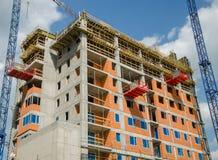 hög stigning för byggnadskonstruktion under konstruktion för stor byggnad Arkivfoto