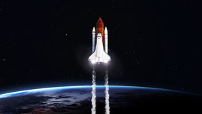 Hög upplösningsbild av rymdfärjan som tar av Arkivbilder