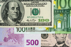 Hög-valör för euro och för US dollar 100, 500 och 50 sedlar Royaltyfri Fotografi