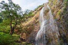 Hög vattenfall i Thailand Royaltyfri Foto