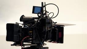 hög videokamera för defination 4K med tripoden Arkivbild