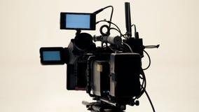 hög videokamera för defination 4K med tripoden Royaltyfri Fotografi