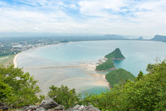 Hög vinkel för havssikt av fjärden för Ao Manao Arkivfoto