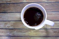Hög vinkel som skjutas av en kopp kaffe Royaltyfri Bild