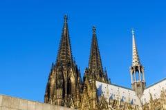 Höga domkyrkan för den Cologne domkyrkan är den officiellt av helgonet Petes en romare - katolsk domkyrka i Cologne, Tyskland arkivfoto