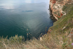 Höga klippor ovanför havet Royaltyfri Fotografi