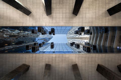 Höga löneförhöjningskyskrapabyggnader Fotografering för Bildbyråer