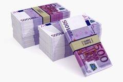 Högar av eurosedlar Arkivfoto