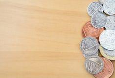 Högen av moderna brittiska mynt Royaltyfria Bilder