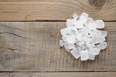 Högen av vit vaggar socker Arkivbild