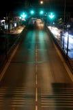 Höger väg på natten Fotografering för Bildbyråer