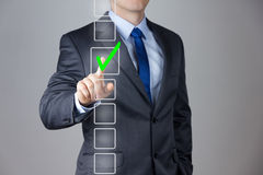 Högert beslut för affärsmandanande arkivfoton