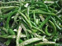Högg av gröna chili royaltyfria foton