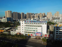 Höghus på Haikou, Hainan ö Royaltyfria Foton