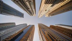 Höghusskyskrapor av Dubai Skjuta i rörelse lager videofilmer