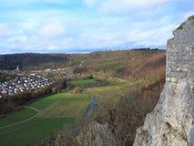 Höglands- region på staden Blaubeuren Royaltyfri Fotografi