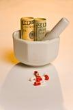 högre medicin för kostnad Fotografering för Bildbyråer
