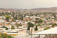 Högstämd sikt av Chihuahuastaden, Mexico arkivfoton