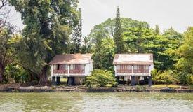 Högstämda byggnader i Kochin marin- drev royaltyfria foton