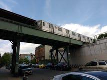 Högstämt gångtunneldrev, s-linje, anslutning, Brooklyn, NY, USA Arkivbilder