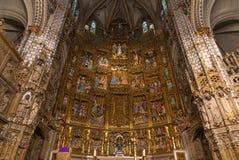 Högt altare av den gotiska domkyrkan av Toledo Fotografering för Bildbyråer