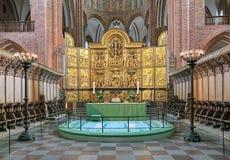 Högt altare av den Roskilde domkyrkan, Danmark royaltyfria bilder