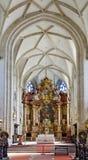 Högt altare av piaristkyrkan royaltyfria foton