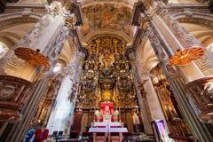 H?gt altare i den Seville domkyrkan i Spanien arkivfoton