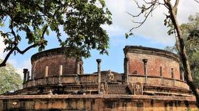 Högt av den forntida historiska platsen för buddhism arkivbilder