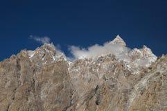 Högt berg nära Pasu, nordliga Pakistan Royaltyfria Foton