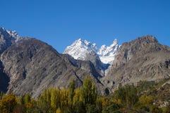 Högt berg på Pasu, nordliga Pakistan Arkivbilder