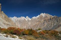 Högt berg på Pasu, nordliga Pakistan Royaltyfria Bilder
