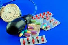 högt blodtryckläkarbehandling Fotografering för Bildbyråer