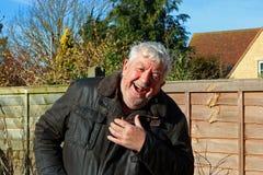 Högt eller äldre skratta för man Royaltyfri Fotografi