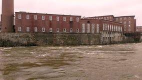 Högt flodvatten på den Saco floden