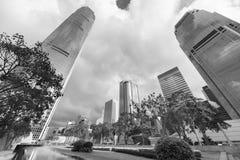 Högt löneförhöjningkontor som buidling i den Hong Kong staden Royaltyfria Foton