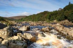 Högt styrkavattenfalllän Durham Arkivfoto