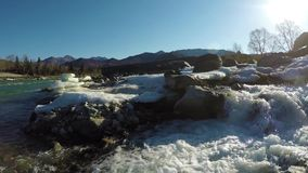 Högt vatten för vår på The Creek Ilgumen arkivfilmer